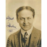 One of the many photographs signed by Harry houdini